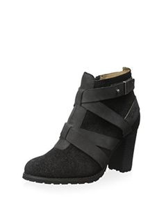 www.myhabit.com  Wraparound strap detail and a lugged sole highlight this versatile side zip style