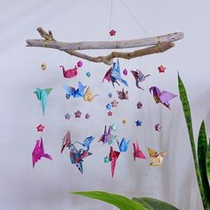 19 ideas for origami bird mobile branches Hanging Origami, Origami Bow, Origami Mobile, Origami Owl Jewelry, Origami Stars, Origami Flowers, Origami Easy, Origami Paper, Origami Wedding Invitations