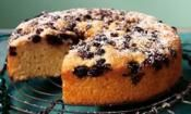 ORANGE & BLUEBERRY TEA CAKE: Make for brunch or save for after dinner  #orange #blueberry #cake