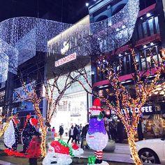 #12월 . . . . #미리메리크리스마스 #크리스마스 #겨울 #부산 #남포동 #트리 #거리 #빛 #일상 #daily #회사 #직장인 #선팔 #맞팔 #소통 #인친 #좋아요 #솔크 🎈🤶🏻🎄🎁