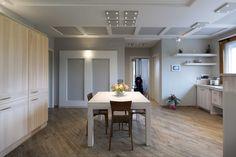 Vimar residenza privata a Pistoia. Sala da pranzo con la serie civile Eikon e la domotica By-me, sempre a portata di mano, per agevolare il proprietario diversamente abile. Scopri http://www.vimar.com/it/it/residenza-privata-pistoia-12644172.html