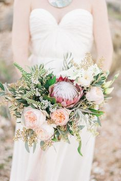 Protea flower bouquet | Photo by  Whiskers and Willow Photography  | Read more -  http://www.100layercake.com/blog/wp-content/uploads/2015/04/Desert-wedding-inspiration