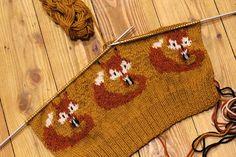Knitted Foxes by BramboraCzech.deviantart.com on @DeviantArt