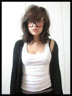 Must-See Bob Hairstyles with Side Bangs Do you know the best way to add a gorgeously stylish and adorable style to your haircut? Side bangs are suitable for any hair type and face shape. Bob Hairstyles With Bangs, 2015 Hairstyles, Girl Haircuts, Protective Hairstyles, Short Hairstyles For Women, Trendy Hairstyles, Gorgeous Hairstyles, Short Haircuts, Medium Hair Cuts