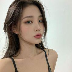 Korean Beauty Girls, Pretty Korean Girls, Cute Korean Girl, Asian Beauty, Asian Girl, Ulzzang Short Hair, Ulzzang Korean Girl, Aesthetic Couple, Aesthetic Girl