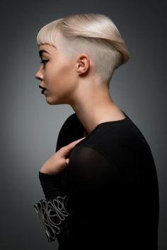 Faszination Blond: 250 Frisurideen für blondes Haar