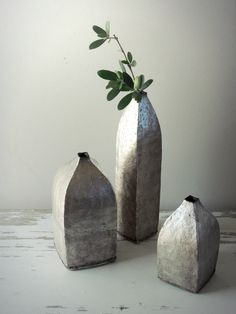 click now for more info. Ceramic Clay, Ceramic Pottery, Pottery Handbuilding, Clay Studio, Pottery Techniques, Japanese Ceramics, Ceramic Flowers, Objet D'art, Pottery Studio