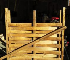 <strong>Home Improvement: </strong>A gate is a bit like a necktie – it gives you the opportunity to add some pizzazz to an otherwise simple look. This is a unique gate that will draw some attention, even though it's pretty easy to build.<br />