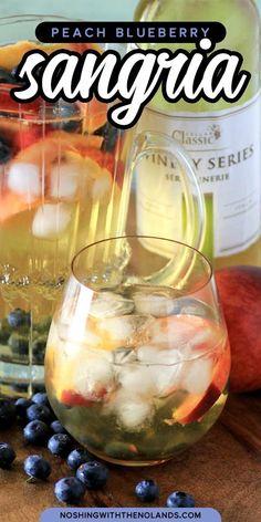 Peach Wine, White Wine Sangria, Refreshing Cocktails, Cocktail Drinks, Wine Cocktails, Sangria Recipes, Wine Recipes, Summer Fruit, Summer Drinks