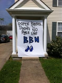 THAT'S MY HOUSE!!!!!!!!!!!!! i'll pretend i'm not creeped out that this is on pinterest & neither me nor my roommate uploaded haha. nonetheless.. this is AWESOME. GO CATS!!!!!! @Emily Njos