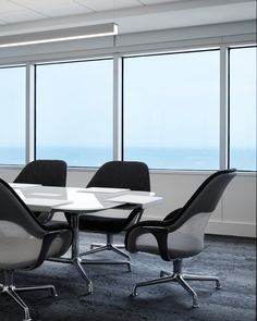 Coalesse SW_1 Lounge Chairs and SW_1 Conference Table create a collaborative office space in Amata's Chicago offices.