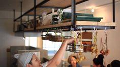 Sonora Burger 米沢牛100%のパティとマッシュポテトを練りこんだ イングリッシュマフィンのバンズ。  丁寧な仕事と素材一つ一つにこだわったハンバーガー専門店。 シンプルな内装で本格的な味が楽しめます。  『 Sonora Burger 』 福島県郡山市清水台1-6-9 八幡プラザ1号館 1F 024-935-3678  Face book https://www.facebook.com/sonoraburger?fref=ts   店舗設計・施工 / Life style工房  http://www.lifestylekoubou.com/  movie / SCORE