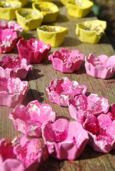 Use your egg cartons to make blossom fairy lights just in time for Spring! #DIY