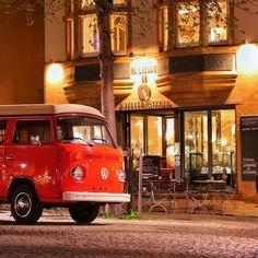 Bustour 2016 #jena #jenaparadies #bulli #t1 #campervan #marktplatz #oldschool #markt11 #picoftheday #canon6d #original #carporn
