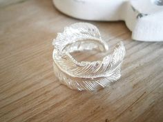 White feather ring