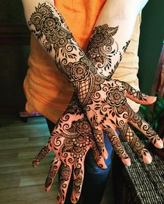 Heidi and Senthil are expecting! I had the honor of doing Heidi's bridal henna two years ago this month, so this is a special celebration. 💕✨💕 #sarahenna #henna #hennapro #mehndi #Kirkland #seattlehenna #seattle #pnw #hennaartist #hennaart #hennadesign #hennainspire #hennainspiration #mehendi #art #artist #seattleart #kirklandartist #kirklandhenna #naturalhenna #hennaart #pregnancy #pregnancyhenna #anniversary