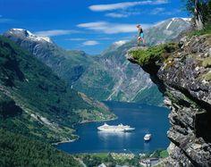 Hoy My Way Rutas en coche nos traen los mejores viajes de coche por #Europa para este #verano! No te los pierdas: paisajes increíbles, junto a personas incíbles. http://www.mywayrutasencoche.com/  http://turismo.casalsonline.es/2016/06/8-rutas-en-coche-por-europa/