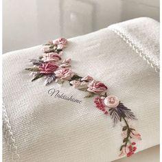 Wonderful Ribbon Embroidery Flowers by Hand Ideas. Enchanting Ribbon Embroidery Flowers by Hand Ideas. Cushion Embroidery, Hand Work Embroidery, Silk Ribbon Embroidery, Embroidery Applique, Embroidery Stitches, Embroidery Patterns, Crochet Patterns, Brazilian Embroidery, Sewing Art
