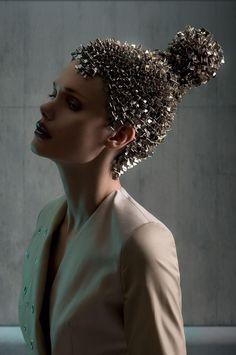 Trendy Fashion Show Makeup Avant Garde Fashion Show Makeup, Avant Garde Hair, Editorial Hair, Fantasy Hair, Maquillage Halloween, Hair Shows, Creative Hairstyles, Grunge Hair, Crazy Hair