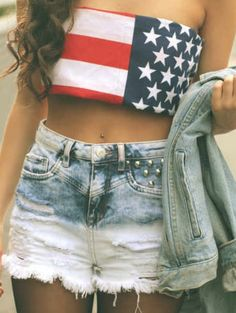 Cute high waisted shorts and crop top