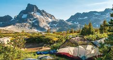 Hike to the best views in the Ansel Adams Wilderness on this 22-mile, 2- to 3-day loop that takes in the best of the Pacific Crest and John Muir Trails.