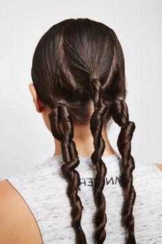 Twist-wet-hair-enhance-curls