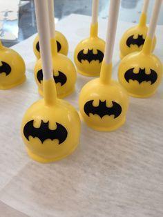 Batman cutter - LIHAO Ausstecher Batman Ausstechformen Fondant Kuchen Keks Marzipan Tortendeko Offiziersbursche Backen http://www.amazon.de/dp/B017D9IV2O http://www.amazon.de/dp/B017D9IZNY