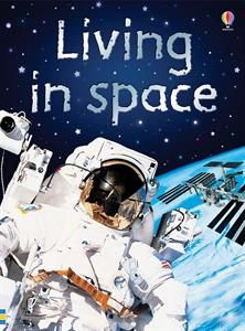 AR Level/Points: How do astronauts travel into space? Where do they live when they get there? In this book you'll find the answers and lots more amazing facts about living in space. Space Books For Kids, Book Subscription, Science Fiction Books, Fiction Novels, Book Nooks, Learn To Read, Great Books, Solar System, Nonfiction