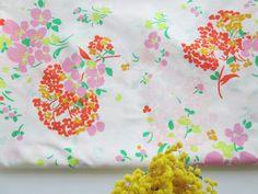 Tissu printanier [très grand coupon] via un lundi ordinaire. Click on the image to see more!