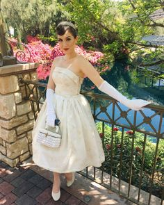 Princess Mia Thermopolis the Princess Dairies Disneybound for Dapper Day at Disneyland vintage inspired by Jackie Princess Inspired Outfits, Disney Inspired Fashion, Disney Fashion, Up Costumes, Costumes For Women, Costume Ideas, Disney Costumes, Vintage Outfits, Vintage Fashion