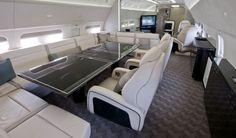 Роскошный салон частного самолёта BBJ
