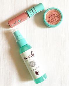 hier seht ihr die 3 produkte aus der neuen @dm_alverde LE #BohemianSummer nochmal aus der nähe ☺️ zu dem #lipgloss folgt natürlich noch ein #swatch ✌�� #alverde #naturkosmetik #limitededition #lippenstift #lipstick @dm_deutschland #dmhaul #dm #haul #drogeriehaul #drogerie #beautyhaul #beauty #makeup #schminke #kosmetik #cosmetics http://ameritrustshield.com/ipost/1548568085873767904/?code=BV9nngtAzXg