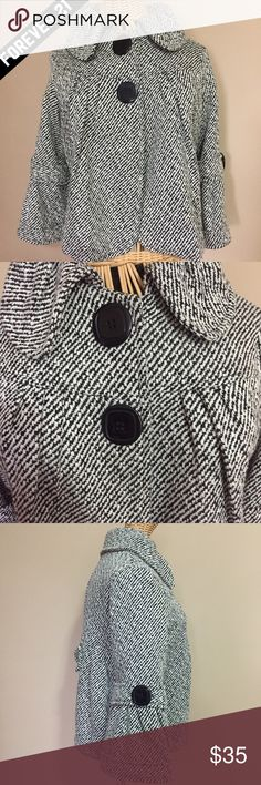 ❤️ Forever 21 Coat Black & White Tweed Small Forever 21 Tweed Coat  Black & White Size: Small Only worn a couple of times. Forever 21 Jackets & Coats