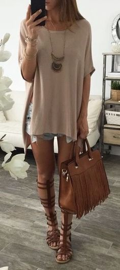 summer outfits Blush Oversized Knit + Ripped Denim Short + Camel Leather Tote Bag