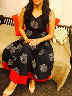 Dress Neck Designs, Kurti Neck Designs, Kurta Designs Women, Kurti Designs Party Wear, Blouse Designs, Kurtha Designs, Simple Kurta Designs, Kalamkari Dresses, Salwar Pattern