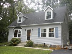Great Home with Lge Detached Garage, Workshop in Prince Frederick.