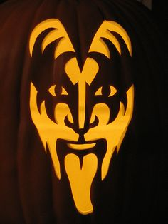 gene simmons pumpkin carving pattern | Here's some really cool pumpkin carvings from PumpkinWayne on flickr ...