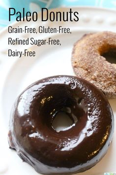 donuts are delicious! And, you'd never guess that they are grain-free, gluten free, dairy-free, and can easily be made refined-sugar free as well. Dunk these in your morning coffee or enjoy with (Favorite Desserts Dairy Free) Paleo Sweets, Paleo Dessert, Healthy Desserts, Healthy Donuts, Pan Sin Gluten, Sans Gluten, Paleo Baking, Gluten Free Baking, Sugar Free Recipes