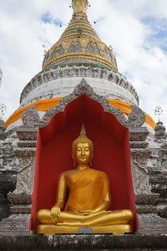 Templo budista e Chiang Mai, norte de Tailandia