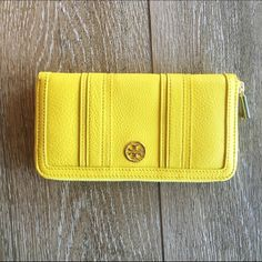 Tory Burch Landon Wallet New with tag. Zip continental wallet. 100% authentic. No trades. Reasonable offered accepted only. Tory Burch Bags Wallets