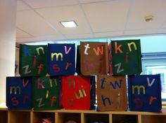 Groep 3 letters prikken Crafts For Kids, November, Letters, Teaching, Education, Holiday Decor, School, Create, Paper Lanterns