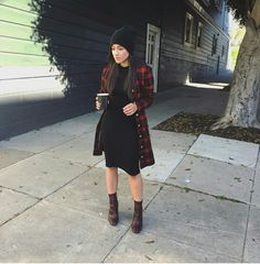 Pinterest: Candyrizos17 Modest Winter Outfits, Skirt Outfits Modest, Modest Wear, Casual Dress Outfits, Edgy Outfits, Fall Outfits, Fashion Outfits, Pentecostal Outfits, Sunday Outfits