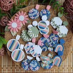 Polymer Clay Crafts, Polymer Clay Jewelry, Clay Projects, Diy Projects To Try, Diy Arts And Crafts, Diy Crafts, Diy Clay Earrings, Making Ideas, Crafty