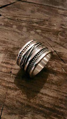 Deze prachtige Vinx Hollands Glorie ring is uit het juiste hout gesneden. #zilver #handwerk