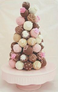 Ideas baby shower cake pops donut holes for 2019 Baby Shower Cakes, Mini Cakes, Cupcake Cakes, Rodjendanske Torte, Christmas Cake Pops, Christmas Tree, Christmas Ideas, Snacks Für Party, Chocolate Covered Strawberries