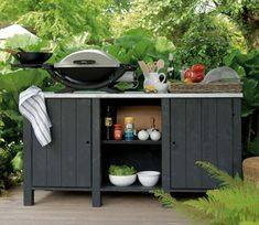 Compact and affordable outdoor kitchen. Outdoor Living Rooms, Outdoor Spaces, Outdoor Decor, Outdoor Oven, Outdoor Cooking, Outdoor Barbeque, Bbq Table, Hanging Furniture, Bbq Area