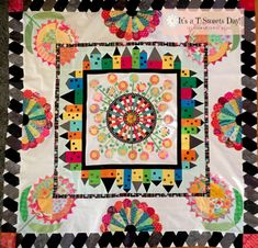 I love this Down the Rabbit Hole Quilt! House Quilts, Baby Quilts, Sarah Fielke Quilts, Dresden Plate Quilts, Rabbit Hole, Applique Quilts, Hand Quilting, Quilt Top, Quilt Blocks