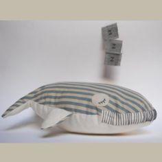 Coussin baleine gris en tissu façon toile à matelas