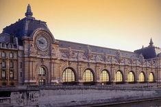 Museo de Orsay (París). Las obras de acondicionamiento de la estación a museo se llevaron a cabo entre los años de 1981 y 1986.  La adaptación interior obra de la arquitecta Gae Aulenti