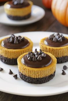 These gluten-free mini pumpkin cheesecakes are the perfect make-ahead Thanksgiving dessert and can also be made with all-purpose flour.